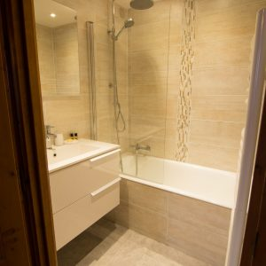 Ski apartment with newly renovated bathroom