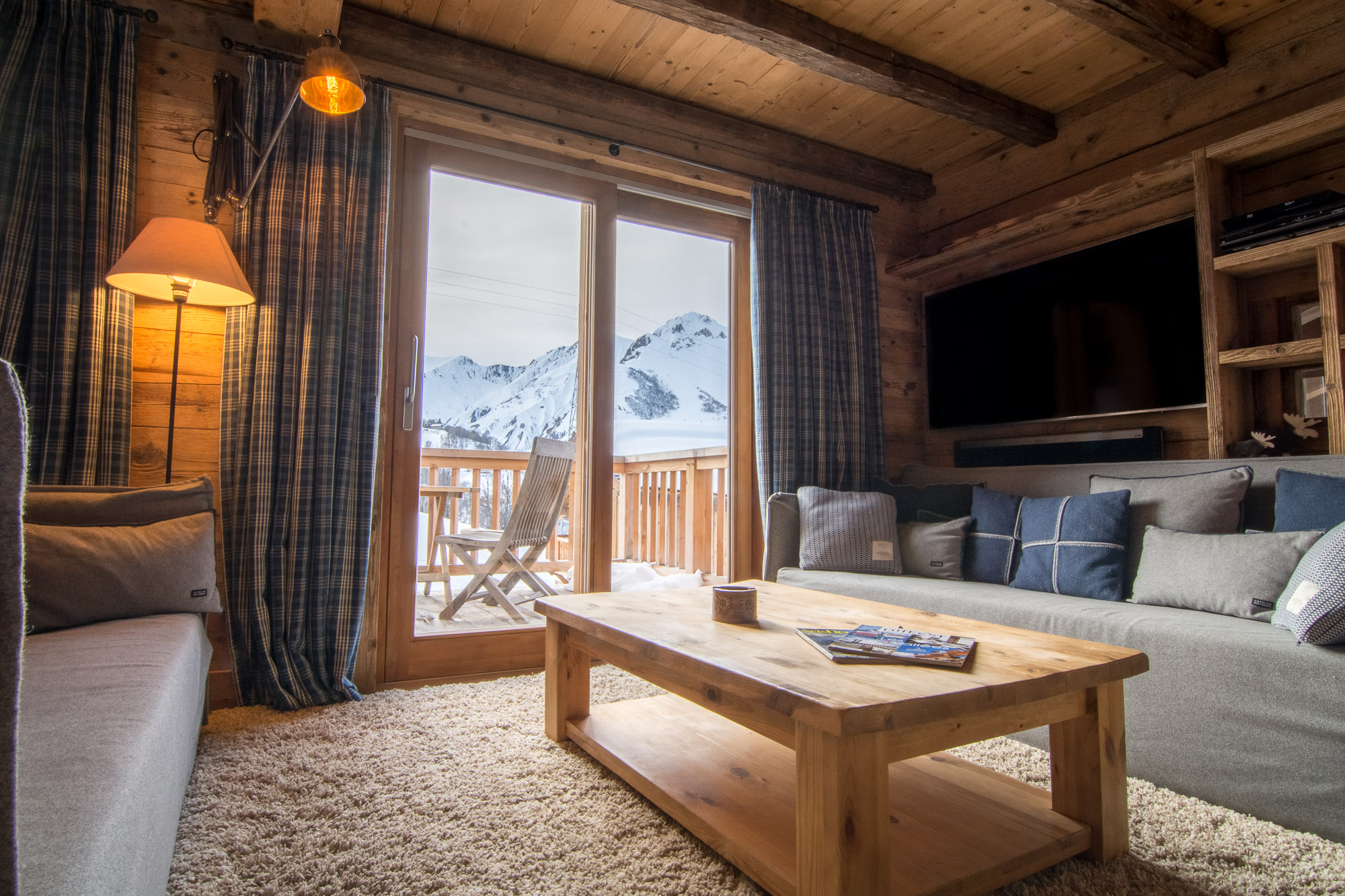 Ski chalet in quiet location with beautiful mountain views