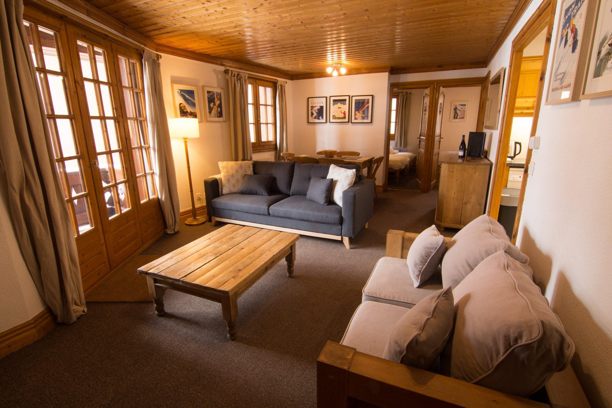 Unieke Woonkamer Iris : Chalet alice velut iris 2 slaapkamer ski appartement te huur in de
