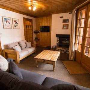 2-bedroom apartment with log fire in the 3 Valleys.