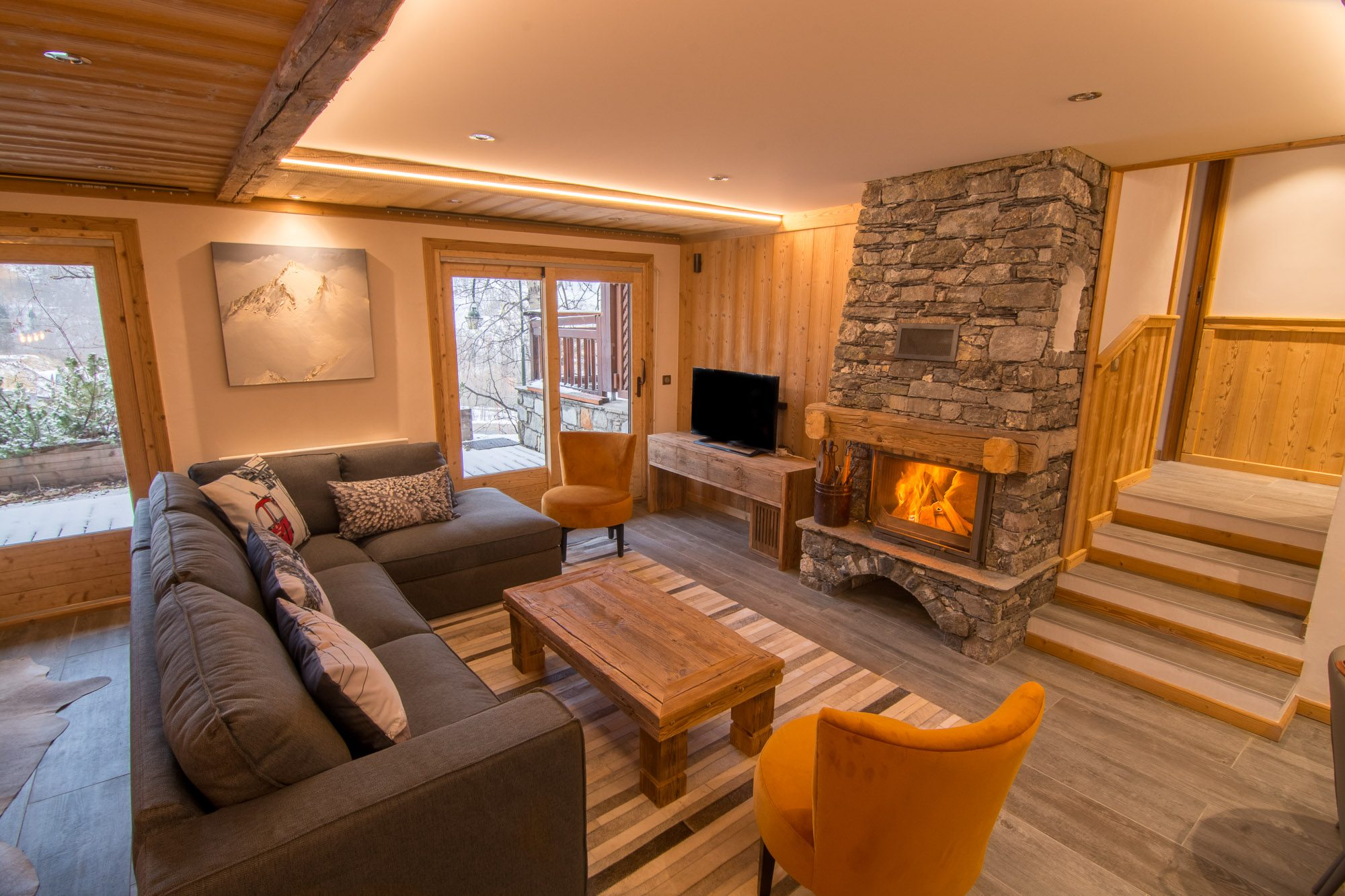 Ski chalet with log fire in St Martin de Belleville