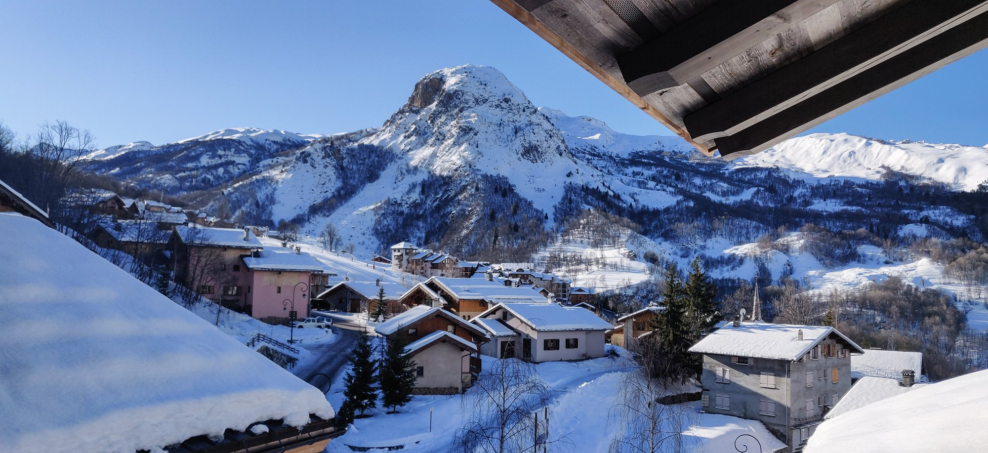 Seasonal or long-term chalet rental