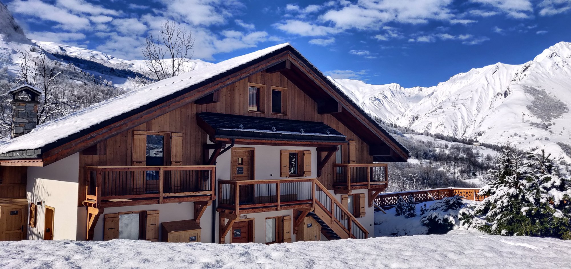 Chalet Fruitière on a beautiful day with fresh snow