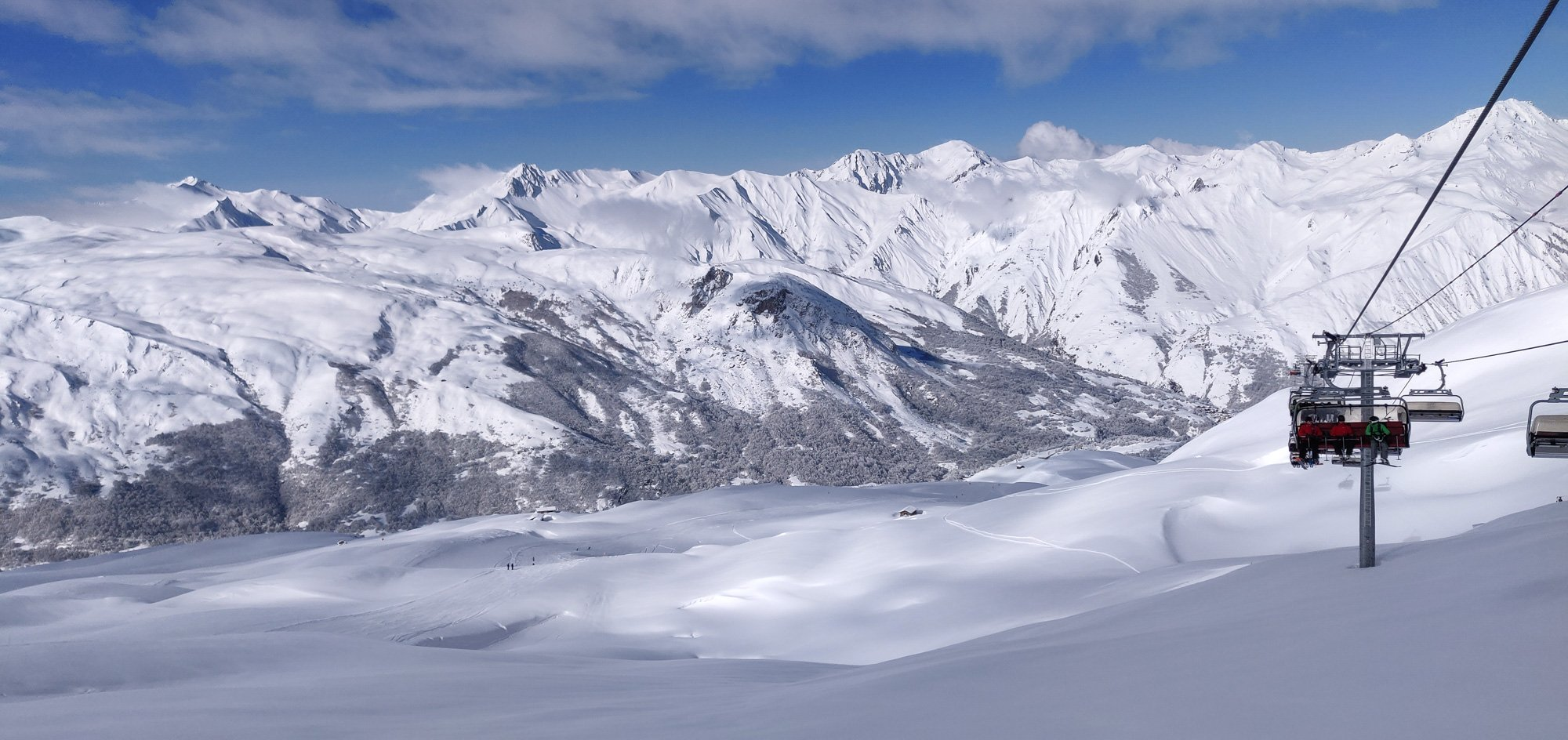 Saint Martin Express chairlift - Skiing the 3 Valleys